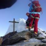 Quelli della cordata davanti, raggiunti in cima alla vetta orientale. 4527 metri